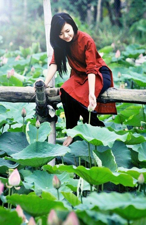 The beauty of Ao Dai - Vietnamese traditional