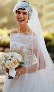 Celebrity Wedding Dresses - so gorgeous Anne Hathaway For more inspiring wedding ideas come visit our other Veilability wedding boards or www.veilability.c...