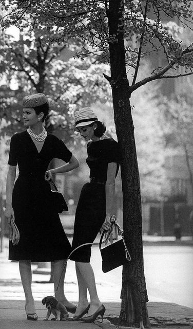 Looking chicly wonderful on the city streets all summer long. #vintage #fashion #1950s #dress #models