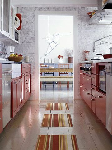 red kitchen, yes please!