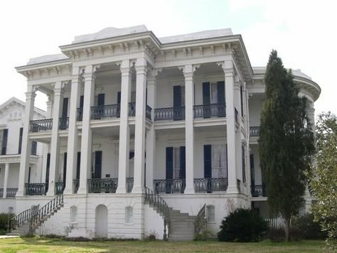 I love southern plantation homes.