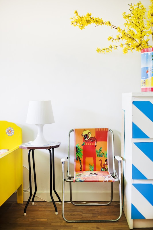 Colorblock or stripe dresser drawers for a fun #DIY #interiors #decor #kids
