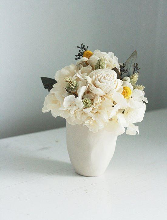 Blanca dried flower arrangement