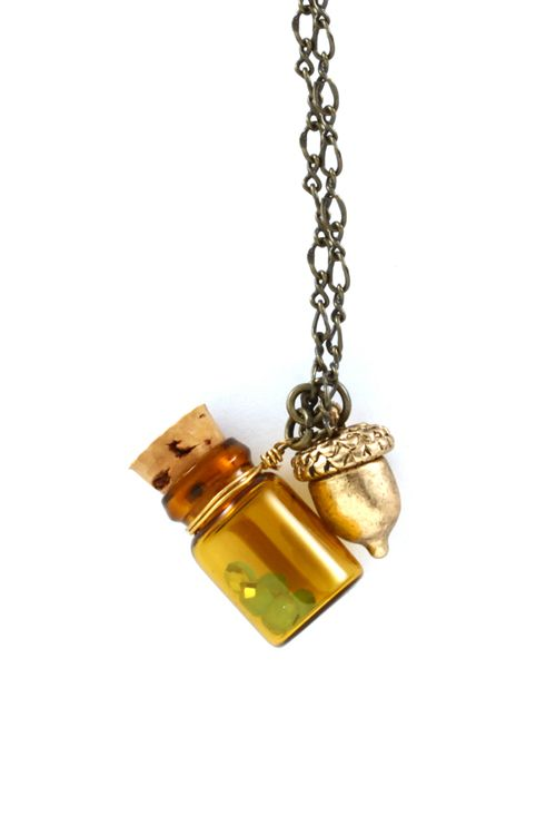 picnic memories necklace