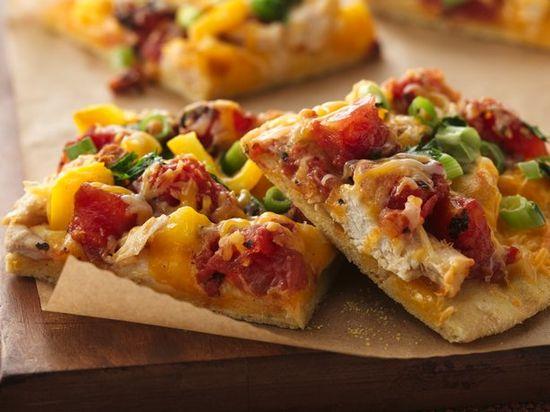 Mexican Chicken Pizza w/ Cornmeal Crust
