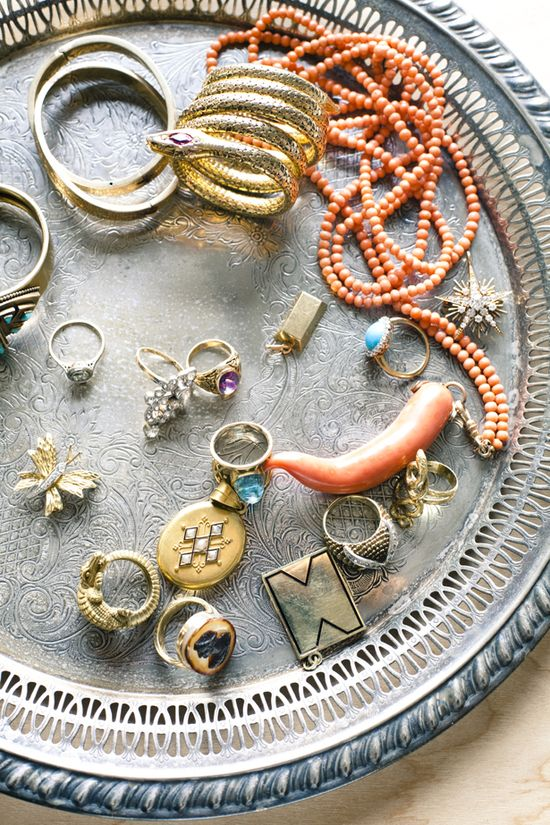 Vintage jewelry: I die.