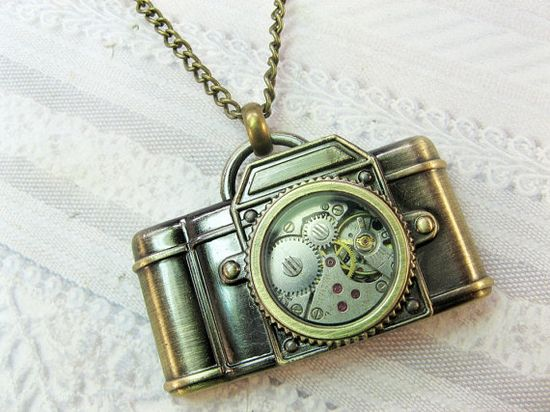 Camera Necklace - Steampunk Camera - Jewelry by BirdzNbeez. Want