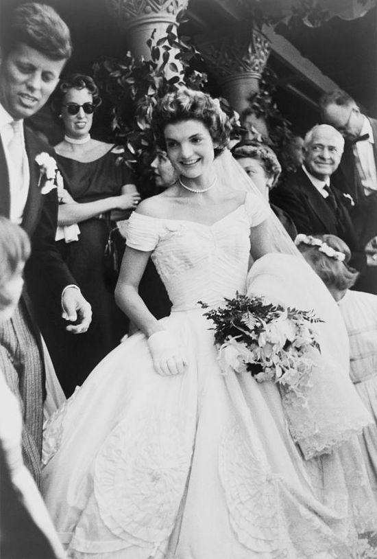 Jacqueline Bouvier & John F Kennedy Wedding in 1953