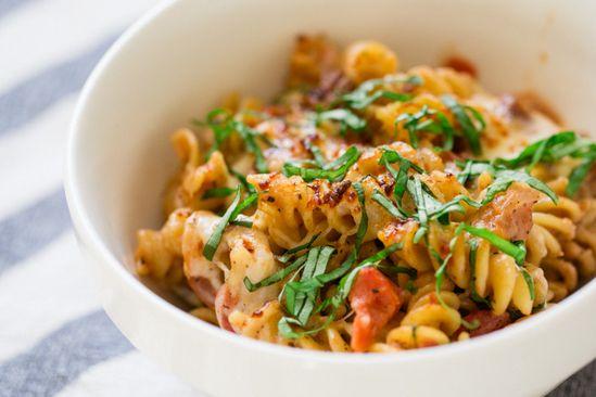 Easy Cheesy Tomato Basil Pasta