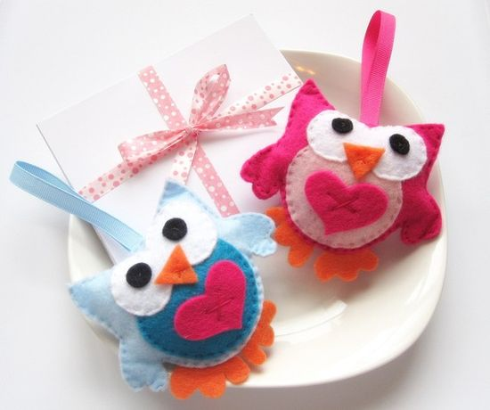 Valentine Felt owls two cute pink and blue owls by Mariapalito, $15.00