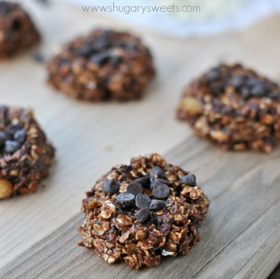 Skinny No Bake Cookies: made with banana, oatmeal, chocolate, peanut butter.
