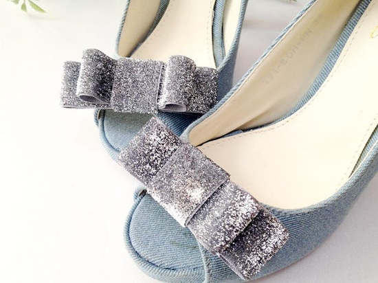 Silver Glitter bow shoe clips