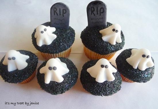 Graveyard cupcakes #Halloween