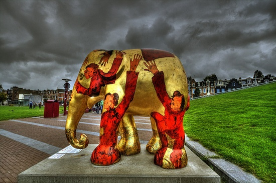 How to love an Elephant, Elephant Parade, Museumplein, Amsterdam - Netherlands by Stewart Leiwakabessy, via Flickr - they do this in Seattle, except they use decorated pigs - really cute