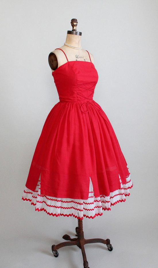 Vintage 1950s Red Cotton Sundress. #dress #fashion #1950s #partydress #vintage #frock #retro #sundress #feminine