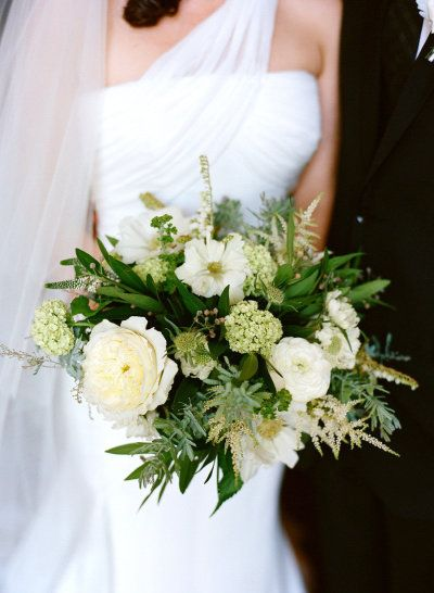 #bouquet Photography by jacshoot.com, florals by www.hollyflora.com  Read more - www.stylemepretty...