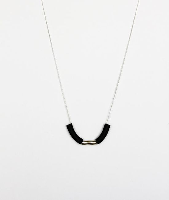 black swirl tube necklace