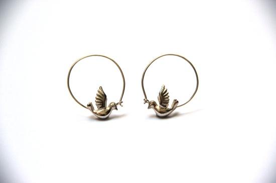 Bird earrings. €120.00, via Etsy.