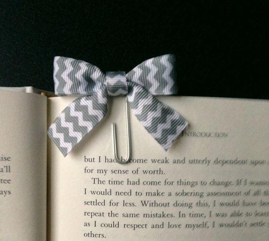 Handmade Bow Bookmark Set of 3 - I could make something like that!