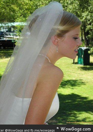 WowGags! 14 WTF Wedding Photos