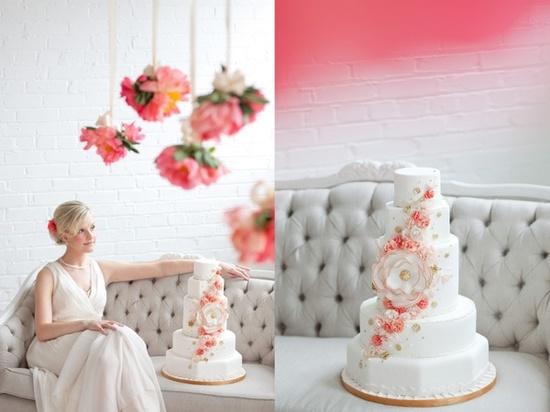 coral wedding cake.