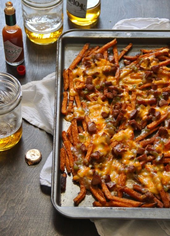 sweet potato fries + andouille gravy and pimento cheese / www.climbinggrier...