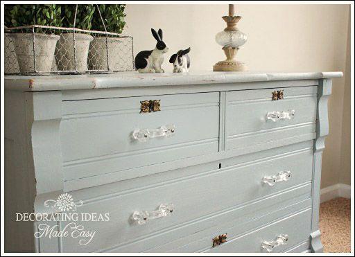 distressed furniture .... love!