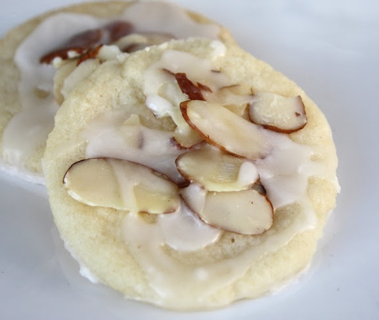 Almond Cookies from the Girl Who Ate Everything