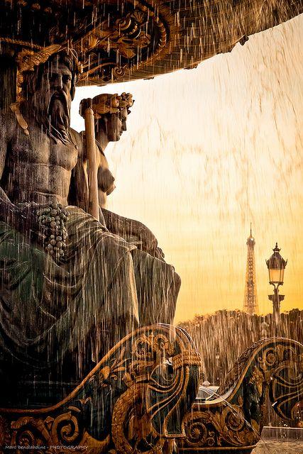 Fontaine des Mers, Place de la Concorde, Paris.
