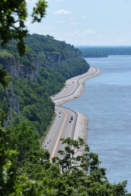 Meeting of the Great Rivers National Scenic Byway. Cruise along this scenic byway where the Mississippi, Missouri, and Illinois Rivers converge. The 33-mile byway begins in Hartford, Illinois and takes you through Alton,Illinois and bends along the river bluffs to its end point in Grafton, Illinois  at Pere Marquette State Park.