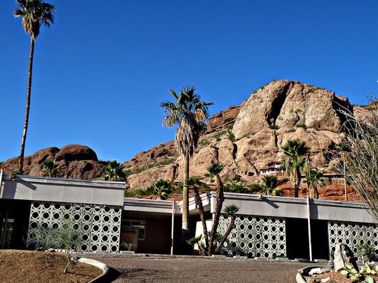 Mid-Century Phoenix Home, via Flickr.