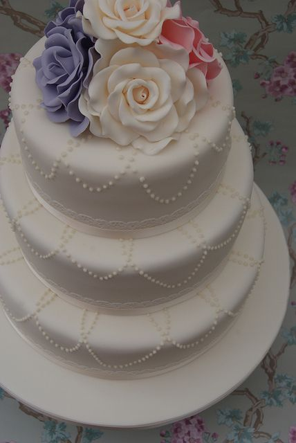 Pearl Necklace Wedding Cake by Cakes by Occasion, via Flickr