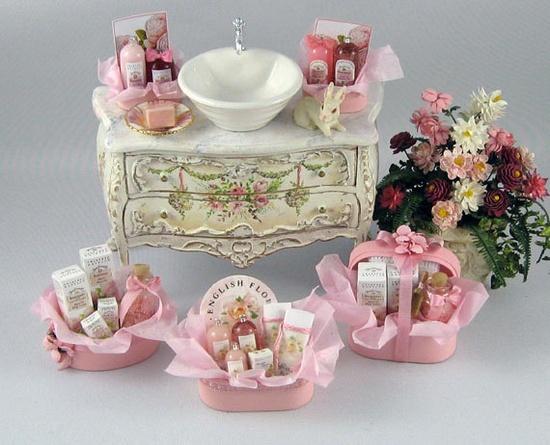 Bathroom gift baskets