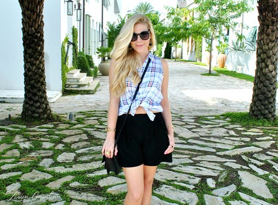 cute outfit {love the tie-front shirt}