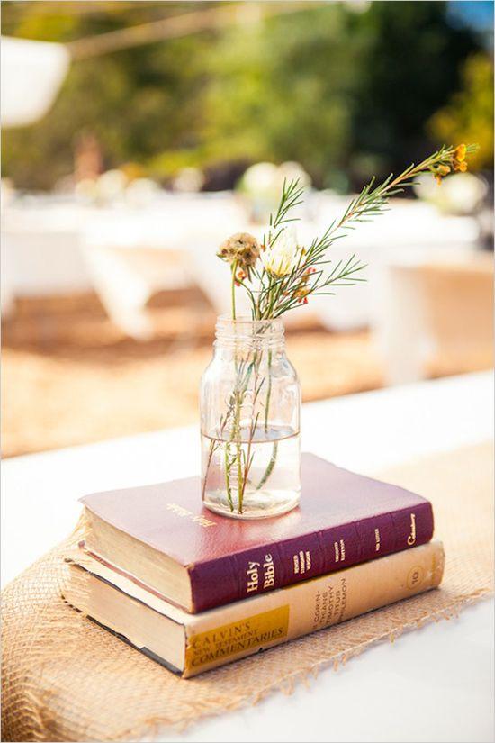 simple table decor ideas / Delightfully Simple Wedding