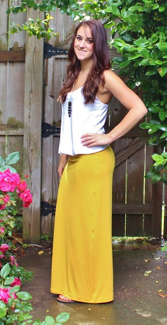 super easy DIY maxi skirt, with just a yard of fabric!