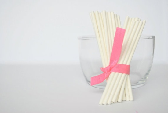 30 white Lollipop Sticks 4 inches by Mariapalito on Etsy, $2.00