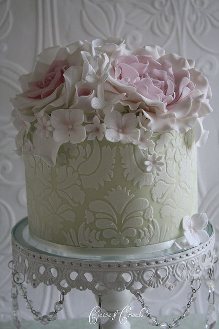 Mothers day cake by Cotton and Crumbs, via Flickr