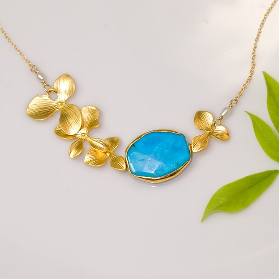 Turquoise Bezel Necklace 16k Gold Orchid Flowers and 14k Gold Filled Chain #turquoise #turquoiseNecklace #orchidNecklace #turquoiseWedding $59.00