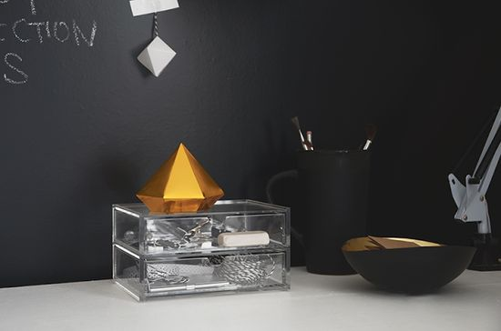 #interior #decor #styling #workplace #black #golden
