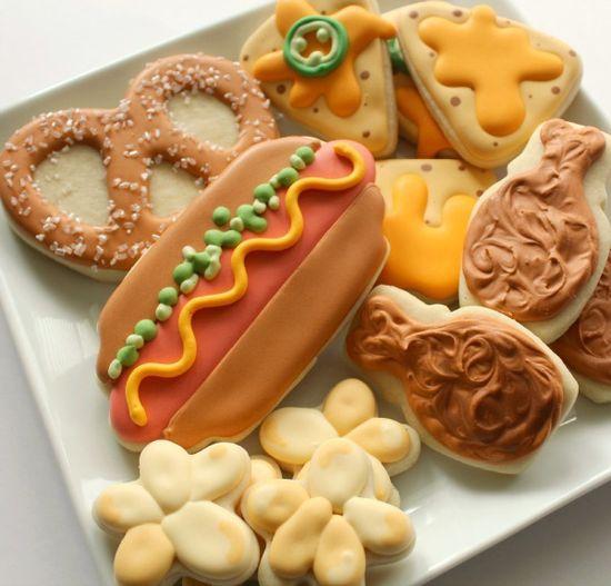 Food Decorated Cookies  HV: cukormáz habzsák dekorcs? coupler Megvásárolhatsz mindent a GlazurShopban! shop.glazur.hu