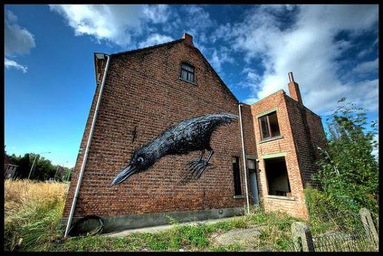 The early bird graffiti in Doel