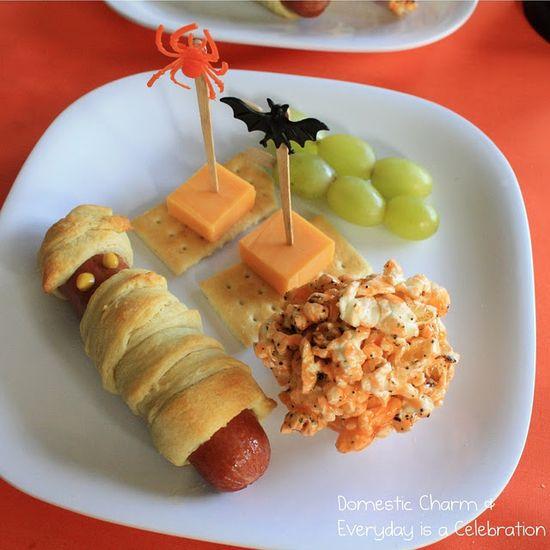 halloween party food ideas via www.karaspartyide...