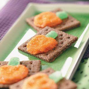 Pretzel Pumpkin Grahams Recipe from Taste of Home