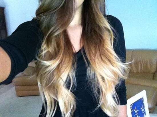 Brown-blonde ombre hair