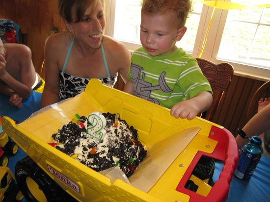 #Dump #truck #cake!  Oreo dirt cake in the back of a toy dump truck!  More #kids #birthday #party ideas here: www.milestonesand...