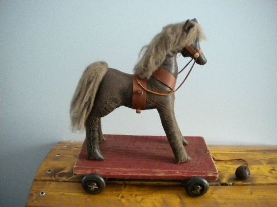 HORSE  Brown PONY pull toy