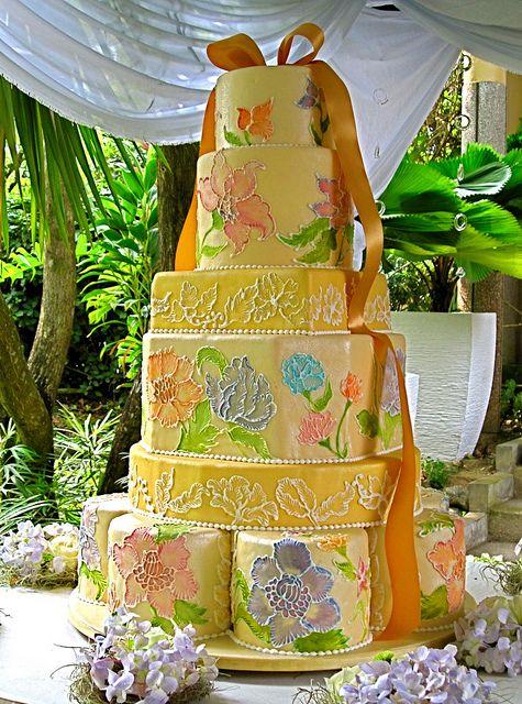 Floral Batik Motif Wedding Cake