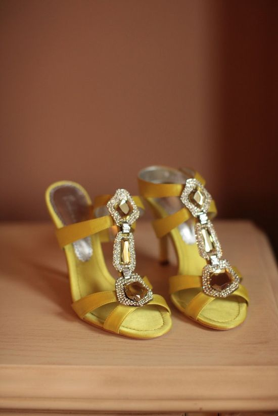 yellow shoes!!