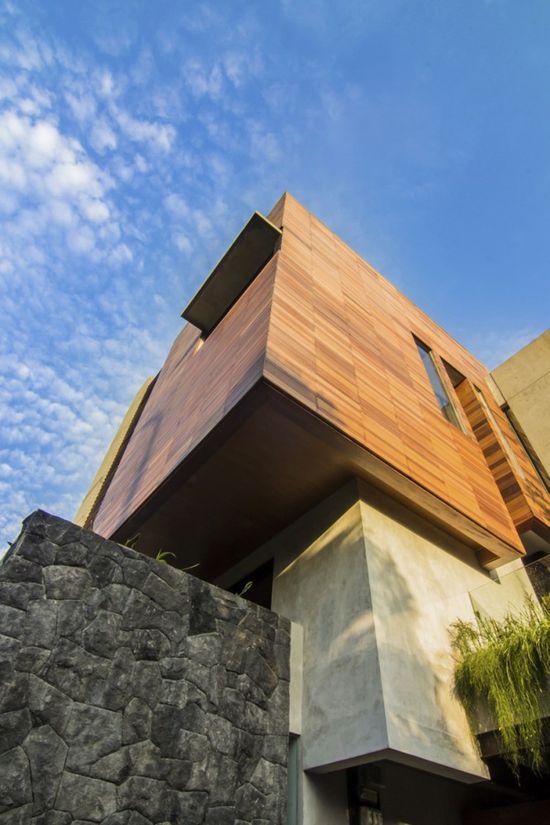 #architecture : Lumber Shaped-Box House / Atelier Riri